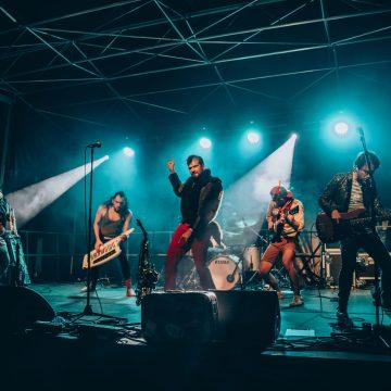 Flying Orkestar en concert à la Poule des Champs 14